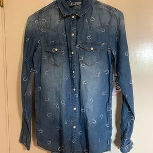 Roxy horse shoe button down from pac sun